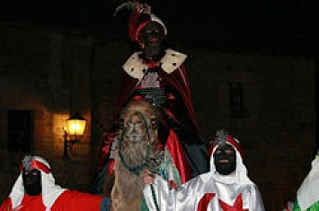 Cabalgata de Reyes en Santillana del Mar_257